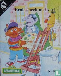 Ernie speelt met verf