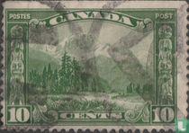 Berg Hurd en Indiaanse totempalen