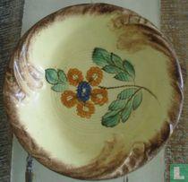 Fruitschaal met bloemmotief