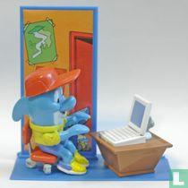 Dolfi in zijn kantoortje