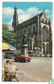 Haarlem - Grote Markt met Grote Kerk