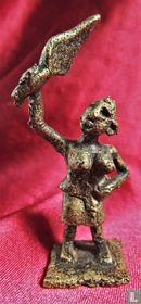 Brons Asante goudgewicht - vrouw met mattenklopper