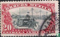 Postbode op motorfiets