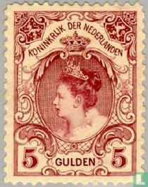 Queen Wilhelmina 'Fur Collar'
